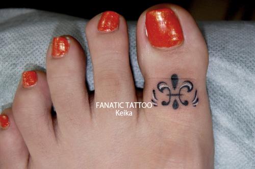 fleur-de-lis Tattoo ユリの文様ワンポイントタトゥー/Keika_FanaticTattoo