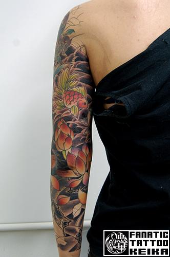 Goldenfish&Lotus JapaneseTattoo 和彫りの金魚に蓮の刺青/Keika_FanaticTattoo