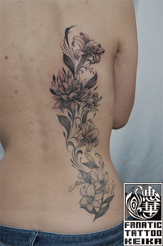ユリと月下美人のタトゥー Lily&Queen of the Night Black&Gray Tattoo /Keika_FanaticTattoo