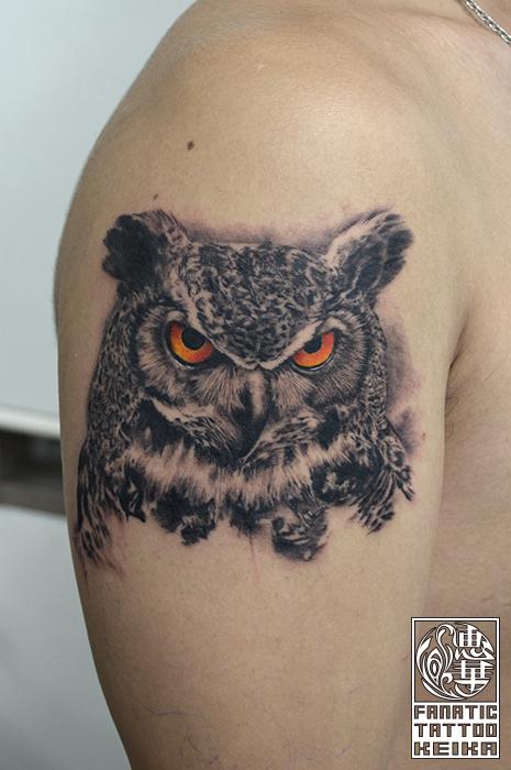 ミミズクのリアルなタトゥー Horn owl Realistic Tattoo /Keika_FanaticTattoo