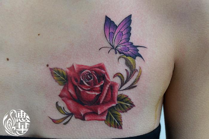 蝶とバラのタトゥー,Rose,Butterfly Tattoo,刺青・タトゥースタジオ 女性彫師 恵華-Keika-
