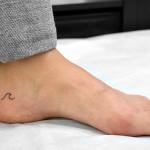 波のワンポイントタトゥー,Wave,Small tattoo,Tattoo,刺青・タトゥースタジオ 女性彫師 恵華-Keika-