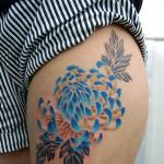 菊の花のタトゥー,chrysanthemum,Tattoo,刺青・タトゥースタジオ 女性彫師 恵華-Keika-