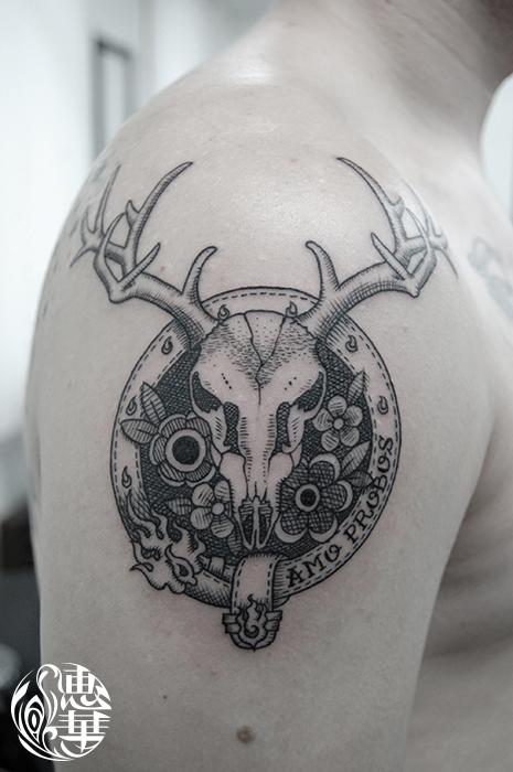 鹿の角と花のタトゥー,Deer,Tattoo,刺青・タトゥースタジオ 女性彫師 恵華-Keika-