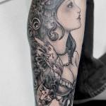 女性のブラック&グレータトゥー,Girl,Black&Gray Tattoo,刺青・タトゥースタジオ 女性彫師 恵華-Keika-