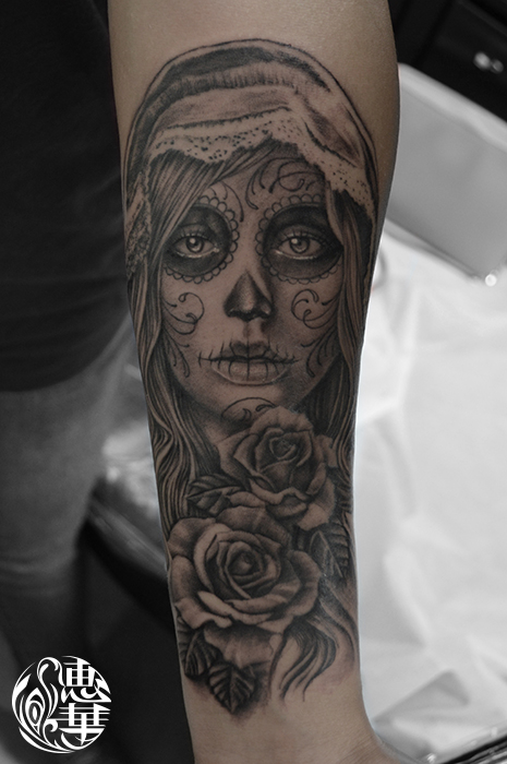 シュガースカルメイクの女性タトゥー,Skull,Girl,Black&Gray,Tattoo,刺青・タトゥースタジオ 女性彫師 恵華-Keika-