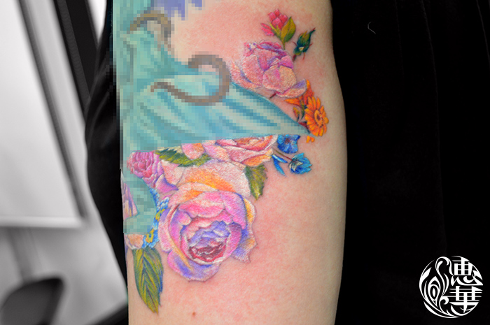 花のタトゥー,Flower Tattoo,刺青・タトゥースタジオ 女性彫師 恵華-Keika-