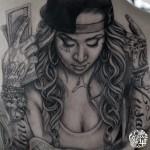 チカーノ女性のブラック&グレータトゥー,Black&Gray Tattoo,刺青・タトゥースタジオ 女性彫師 恵華-Keika-