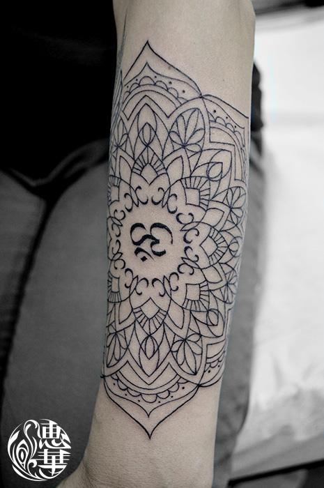 曼荼羅トライバルタトゥー,Mandala Tribal Tattoo,女性彫師 恵華-Keika-