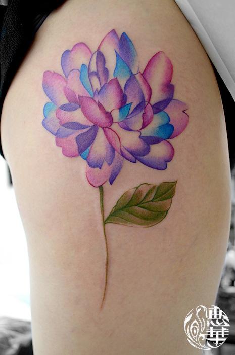 水彩のお花タトゥー Watercolor,Flower Tattoo,女性彫師 恵華-Keika-