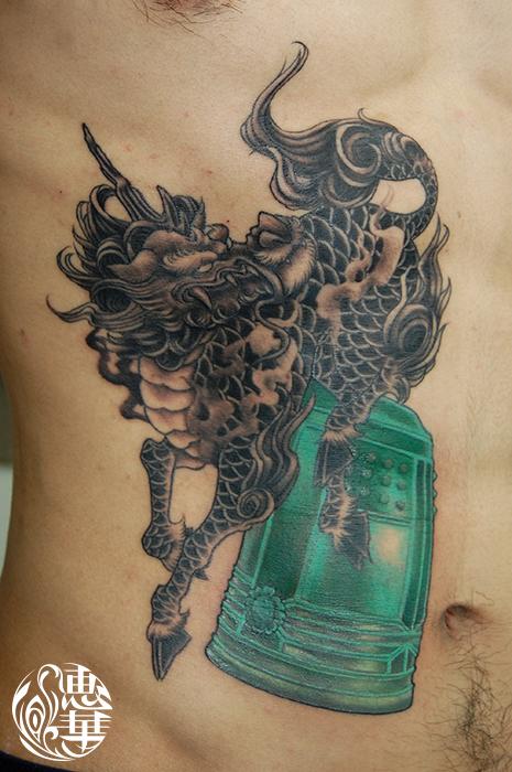 麒麟と鐘の刺青,Kirin,temple bell,Japanese