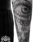 目と蝶とクロスのタトゥー – Eye,Butterfly,Cross Tattoo
