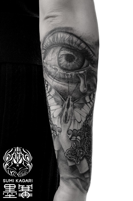 目と蝶とクロスのタトゥー,Eye,Butterfly,Cross,タトゥー,刺青,Tattoo,刺青,タトゥースタジオ,女性彫師,彫師,恵華,Keika