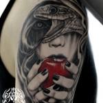 ヘビと女性のタトゥー,Snake,Allpe,タトゥー,刺青,Tattoo,刺青,タトゥースタジオ,女性彫師,彫師,恵華,Keika