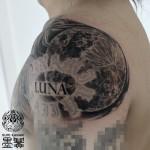 月のブラック&グレータトゥー Moon Black and gray Tattoo Tattoo,刺青・タトゥースタジオ 女性彫師 恵華-Keika-