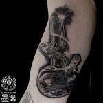 シーシャ・水たばこのブラック&グレータトゥー Glass Shisha Black&Gray Tattoo,刺青・タトゥースタジオ 女性彫師 恵華-Keika-