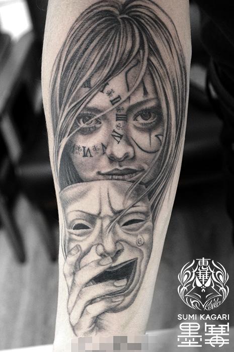 ピエロメイクの女性とマスクのブラック&グレータトゥー,Girl,Mask,Black and gray,タトゥー,刺青,Tattoo,刺青,タトゥースタジオ,女性彫師,彫師,恵華,Keika