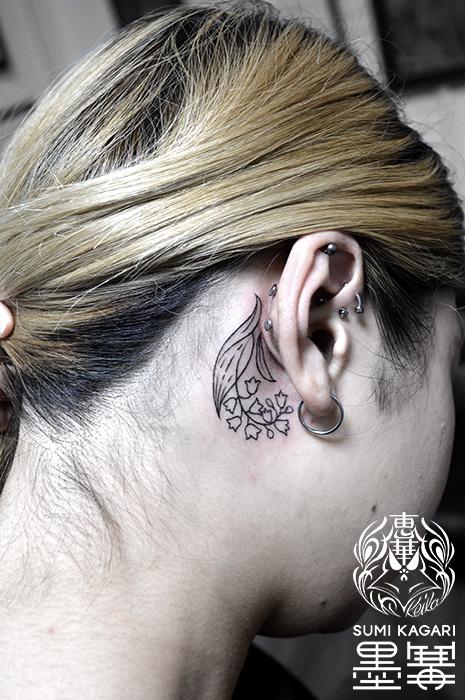 耳裏すずらんのワンポイントタトゥー, Lily of the valley,Small tattoo,タトゥー,刺青,Tattoo,刺青,タトゥースタジオ,女性彫師,彫師,恵華,Keika
