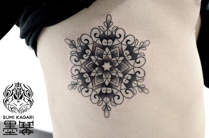 雪の結晶トライバルタトゥー,snow crystal,Trilal tattoo,タトゥー,刺青,Tattoo,刺青,タトゥースタジオ,女性彫師,彫師,恵華,Keika