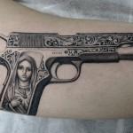 銃,ピストル,マリア,タトゥー,刺青,Tattoo,刺青,タトゥースタジオ,女性彫師,彫師,恵華,Keika
