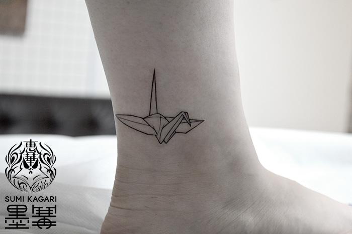 折り鶴のワンポイントタトゥー,Origami crane,,Tattoo,刺青,タトゥースタジオ,女性彫師,恵華,Keika